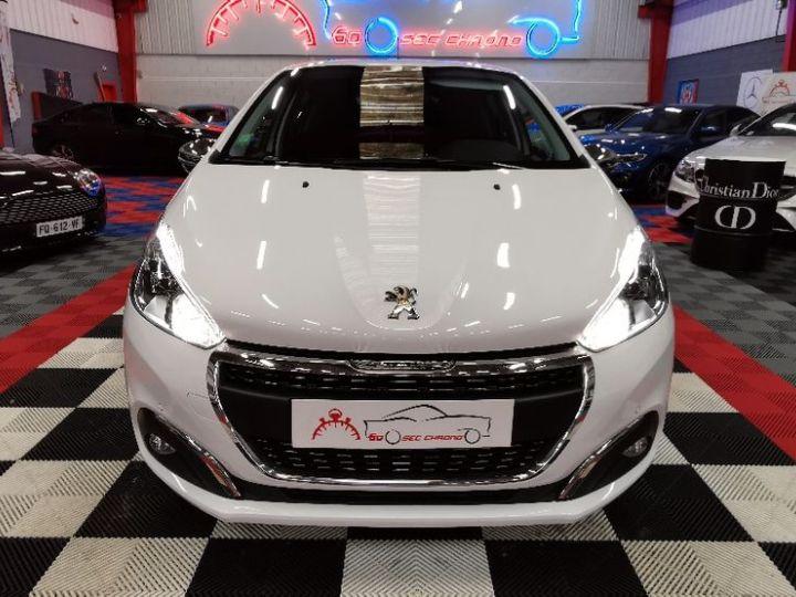 Peugeot 208 12 VTi - 1