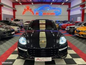 Porsche Cayenne Turbo S   - 1
