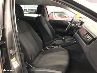 Volkswagen Polo 10   - 4